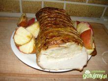 Schab szpikowany jabłkami