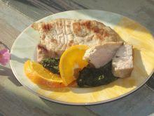 Schab w pomarańczy ze szpinakiem