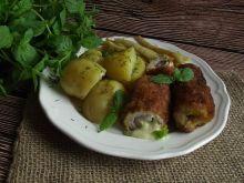 Schabowe roladki z serem camembert i miętą