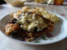 Schabowe zapiekane z serem i pieczarkami