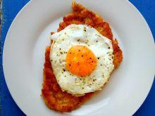 Schabowy z jajkiem sadzonym