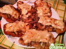 Schabowy z pieczarkami i serem