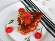 Schabowy z pomidorami i żółtym serem