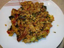 Schabowy z warzywami i kaszą quinoa