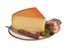 Ścieranie sera żółtego