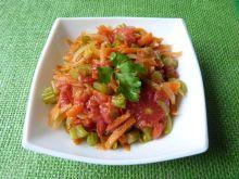 Seler naciowy duszony z pomidorami