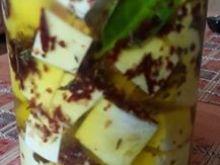 Ser bundz w oliwie i ziołach