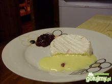 Ser camembert z żurawiną.