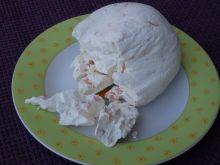 Serek z jogurtów greckich z wędzonym łososiem