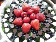 Serniczek na zimno z owocami i czekoladą