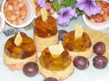 Serniczki kawowe ze śliwkami i sezamkami na zimno