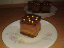 Sernik czekoladowy z morelami