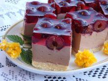 Sernik czekoladowy z wiśniami i galaretką