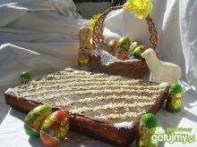 Sernik na delikatnie kakaowym spodzie