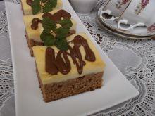 Sernik na pierniku z polewą czekoladową