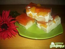 Sernik na zimno z brzoskwiniami 3