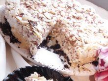 Sernik na zimno z krówką, czekoladą i migdałami