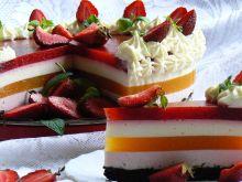 Sernik na zimno z truskawkami i brzoskwiniami