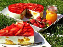 Sernik na zimno z truskawkami i słoneczną nutą