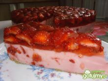 Sernik truskawkowy z serka Danio