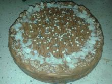 Sernik z białą czekoladą pod karmelem