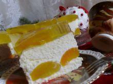 Sernik z brzoskwiniami i galaretką bez tłuszczu