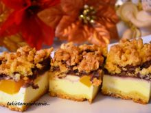 Sernik z brzoskwiniami i czekoladową pianką