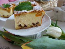 Sernik z czekoladowymi kropelkami i brzoskwinią