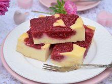 Sernik z frużeliną malinową