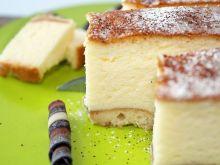 Sernik z jogurtów greckich na biszkoptach