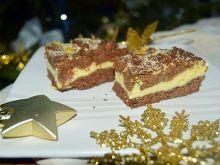 Sernik z kruchym czekoladowym ciastem