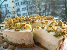 Sernik z pistacjami, nerkowcem i białą czekoladą
