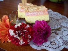 Sernik z różową pianką