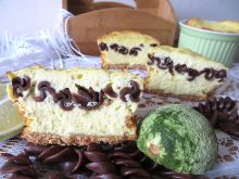 Sernikowe babeczki z czekoladowym makaronem