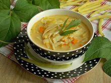 Serowa zupa z fasolką szparagową i makaronem