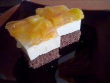 Serowe ciasto z brzoskwiniami