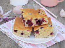Serowe ciasto z jagodami kamczackimi
