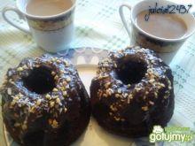 Serowe czekoladowe babeczki z orzeszkami