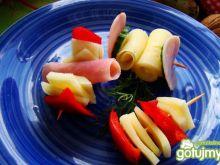 Serowe mini szaszłyki