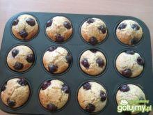 Serowe muffinki z wiśniami