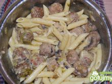 Serowo-mięsny kociołek