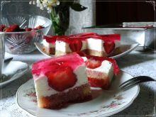 Serowo-śmietanowa rozkosz z truskawkami