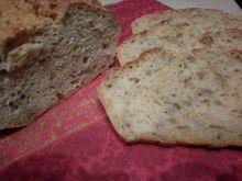 Serwatkowy chlebek z amarantusem i słonecznikiem