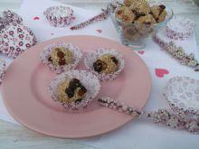 Sezamowe kuleczki z rodzynkami i czekoladą