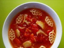 Sierpniowa pomidorówka z makaronem