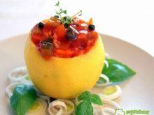 Śledzie w pomidorowej salsie w cytrynie