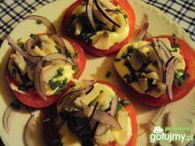 śledziki na pomidorkach