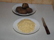 Ślepe jajko z ziemniakami w mundurkach