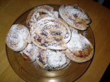Ślimaczki drożdżowe z bakaliami i marmoladą