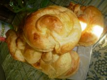 Ślimaczki drożdżowe z serem